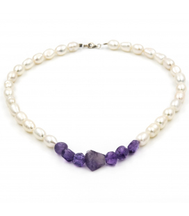 Collar de perlas cultivadas Barrocas de 8,75 mm de diámetro y amatistas irregulares
