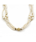 Collar gargantilla de perlas fresh water con bolas de oro amarillo