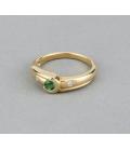 Sortija de oro amarillo con esmeralda central y diamantes - Talla 13 [ES]