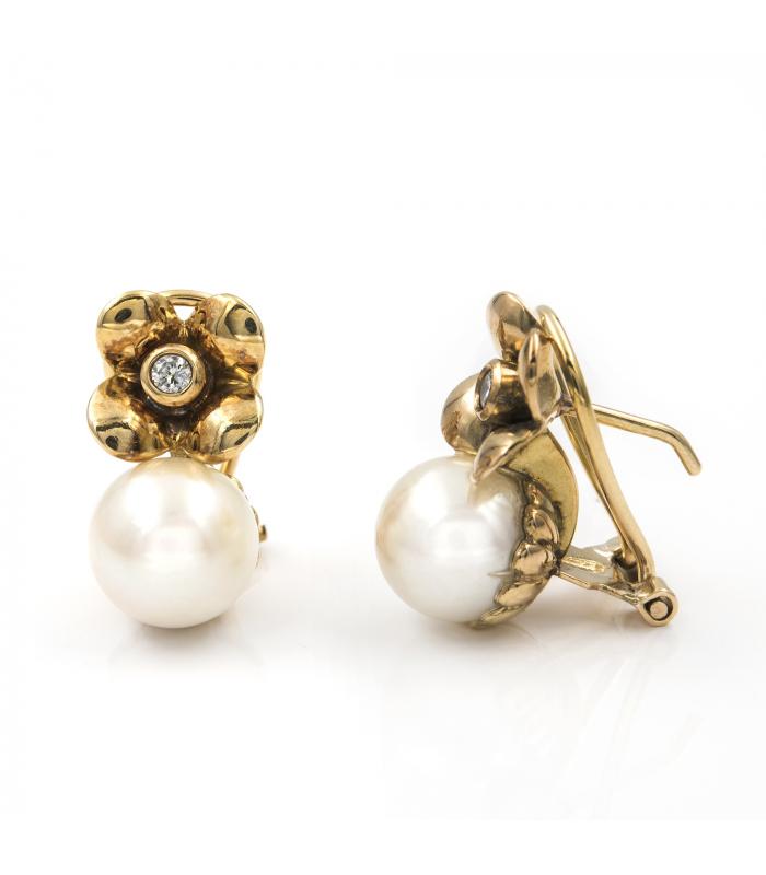 Pendientes de oro amarillo en flor con diamantes y perlas akoya