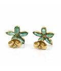 Pendientes de oro amarillo en forma de flor con diamantes y esmeraldas