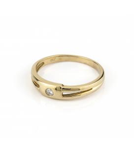 Sortija de oro amarillo con diamantes