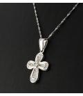 Cadena con Colgante en forma de cruz de oro blanco con diamantes