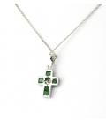 Collar con Colgante en forma de Cruz con Diamantes y Esmeralda en Oro de Ley 18k